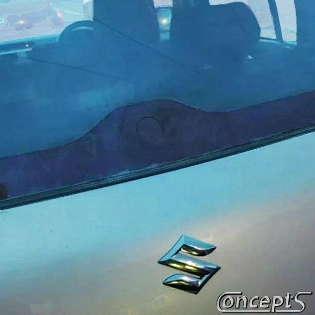 https://www.concept-s.nl/mwa/image/zoom/CS05036-Zwart-plexiglas-wiperdelete-ruitenwisserdop-Suzuki-Swift-MZ-2005-2006-2007-2008-2009-2010-2011.jpg