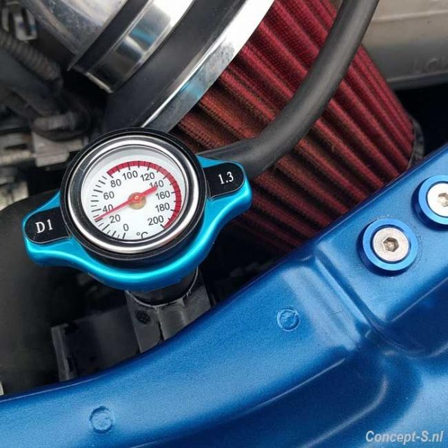 https://www.concept-s.nl/mwa/image/zoom/CS36562-D1Spec-radiatordop-met-temperatuurmeter-0-200-graden-Celsius-blauw-0.jpg