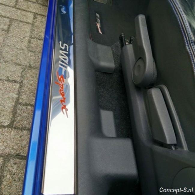 https://www.concept-s.nl/mwa/image/zoom/CS411193-Instaplijsten-rvs-mat-Suzuki-Swift-Sport-FZ-NZ-2010-2011-2012-2013-1.jpg
